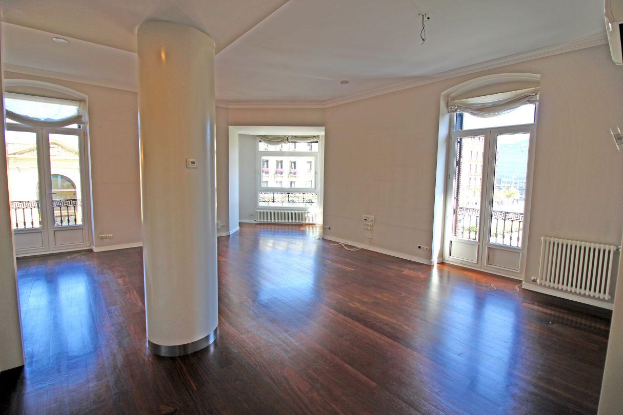 Pisos baratos en guipuzcoa cheap piso en venta en irun lapitze con dormitorios trastero y balcn - Pisos baratos en irun ...